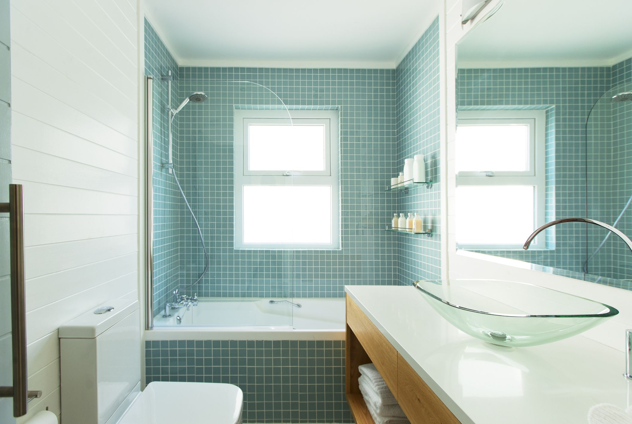 Tips for Properly Tiling a Bathroom