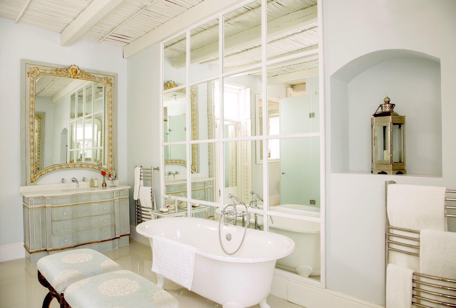 Home Staging How To Enlarge Your Interiors With Mirrors
