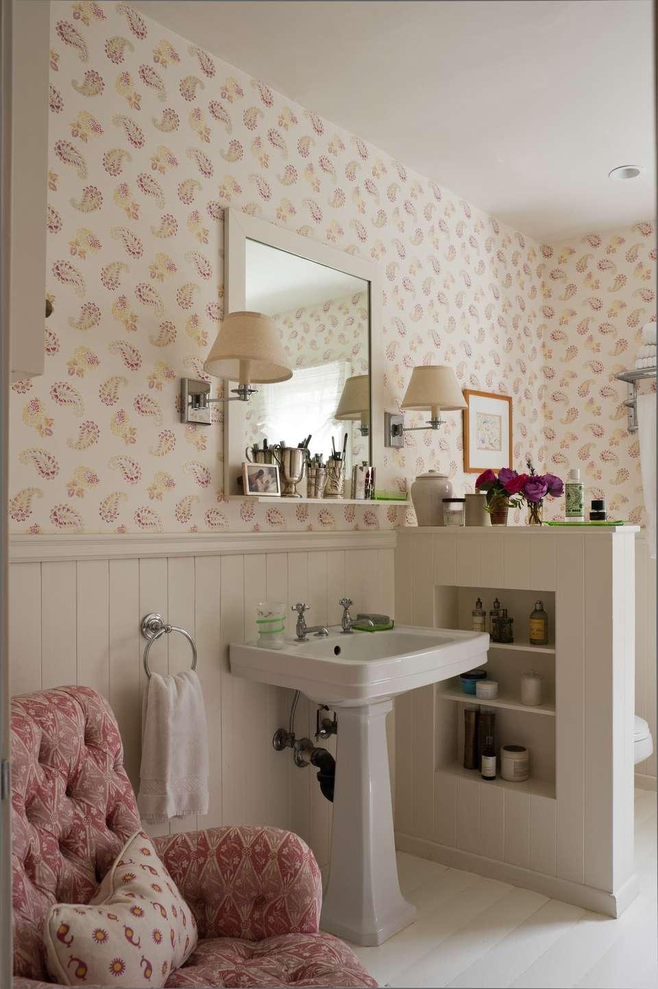 Baño de estilo vintage rosa