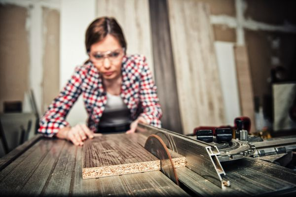 Ripping Wood on a Table Saw