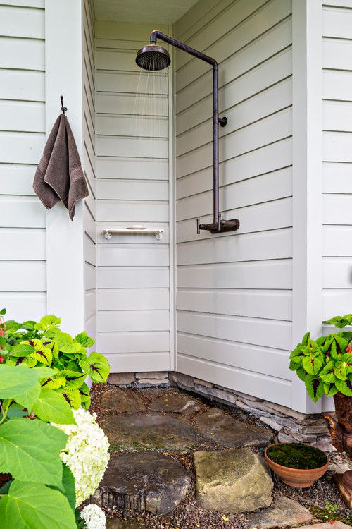 15 Outdoor Shower Ideas