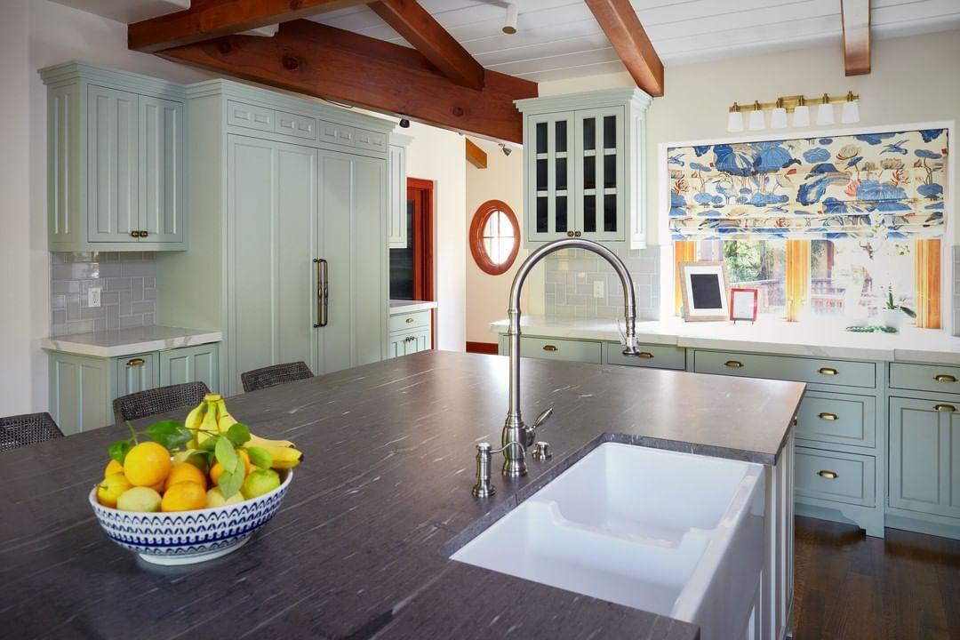 Craftsman kitchen with large beams