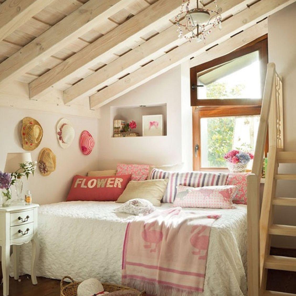 Girl's farmhouse bedroom
