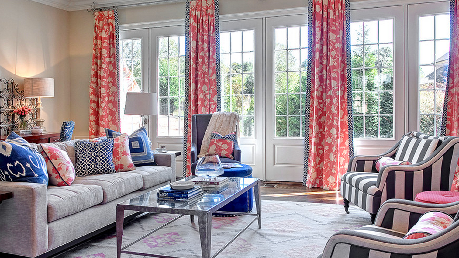 How To Mix Patterns In A Room
