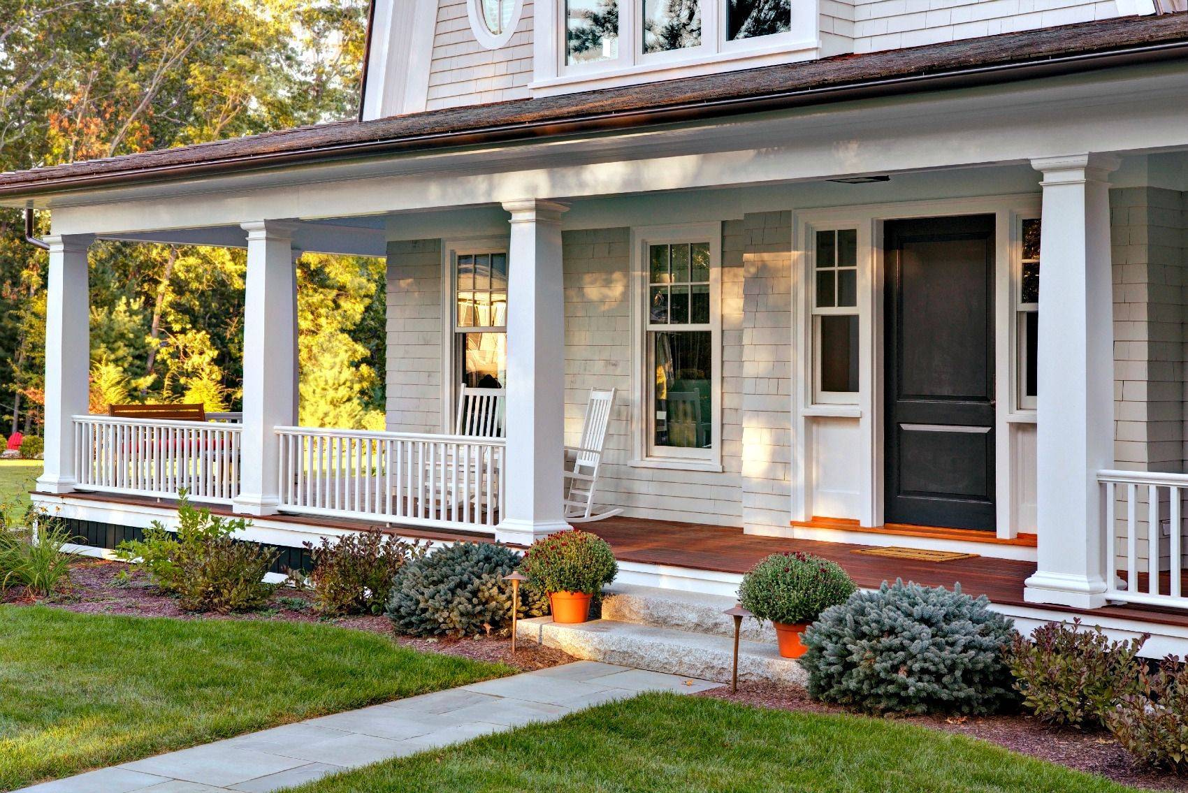 What's The Difference Between A Patio And A Porch?