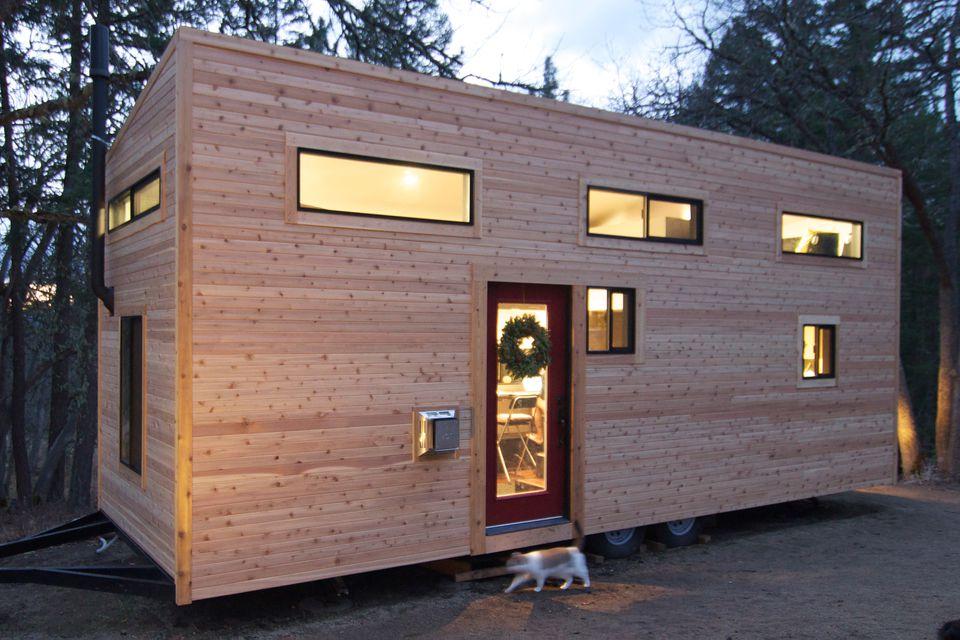 Exterior de construcción de casa pequeña