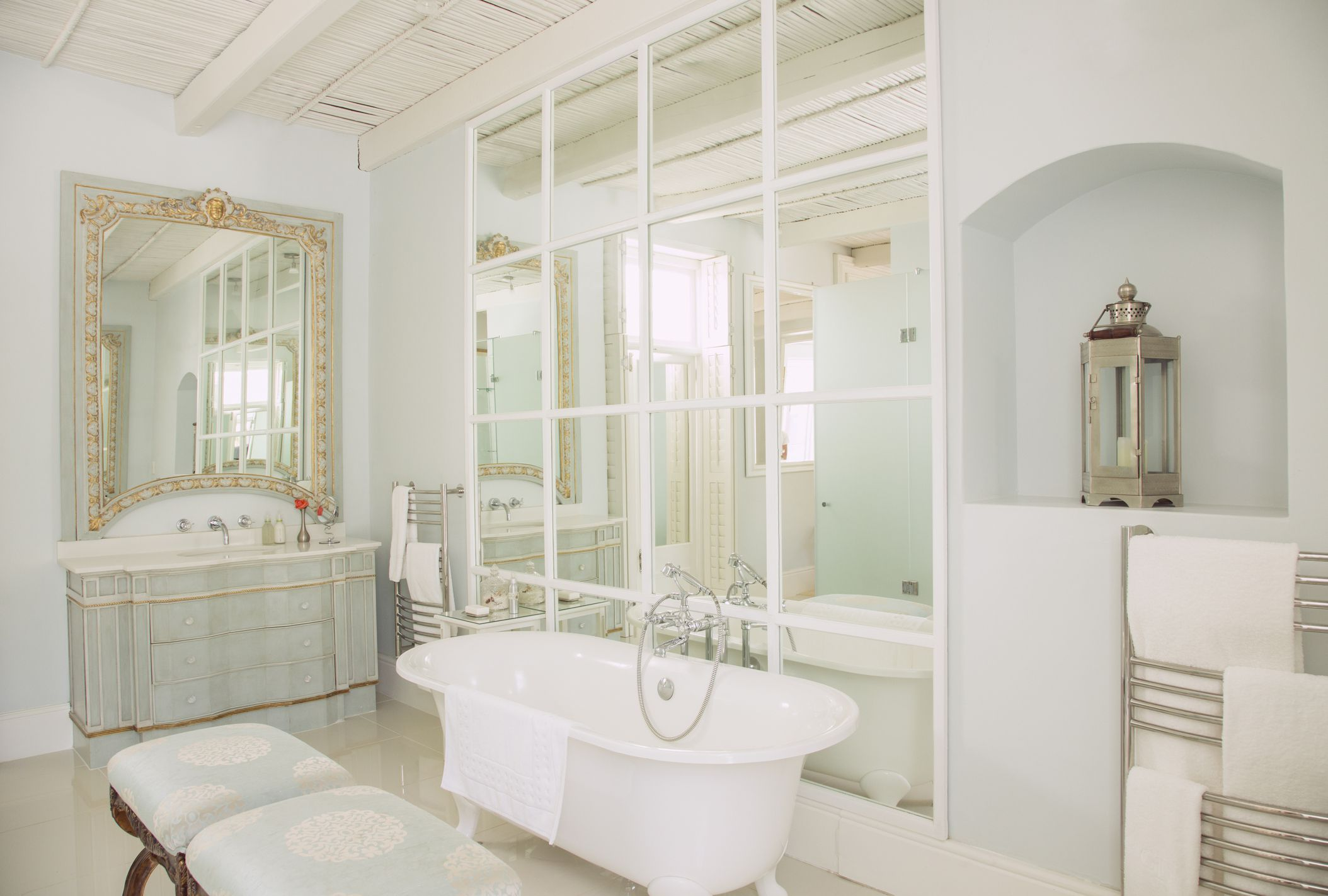 Essential Tips for an Elegant Bathroom Design