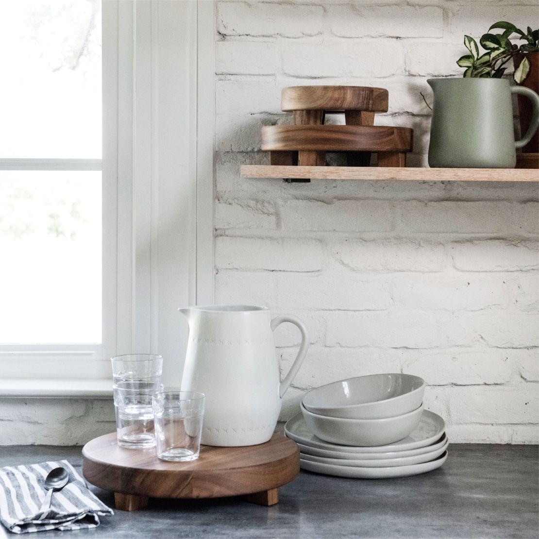 jarras y platos de cerámica de target