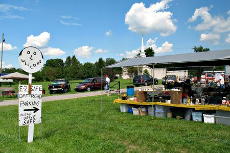 127 Yard Sale: Shop the World's Longest Yard Sale