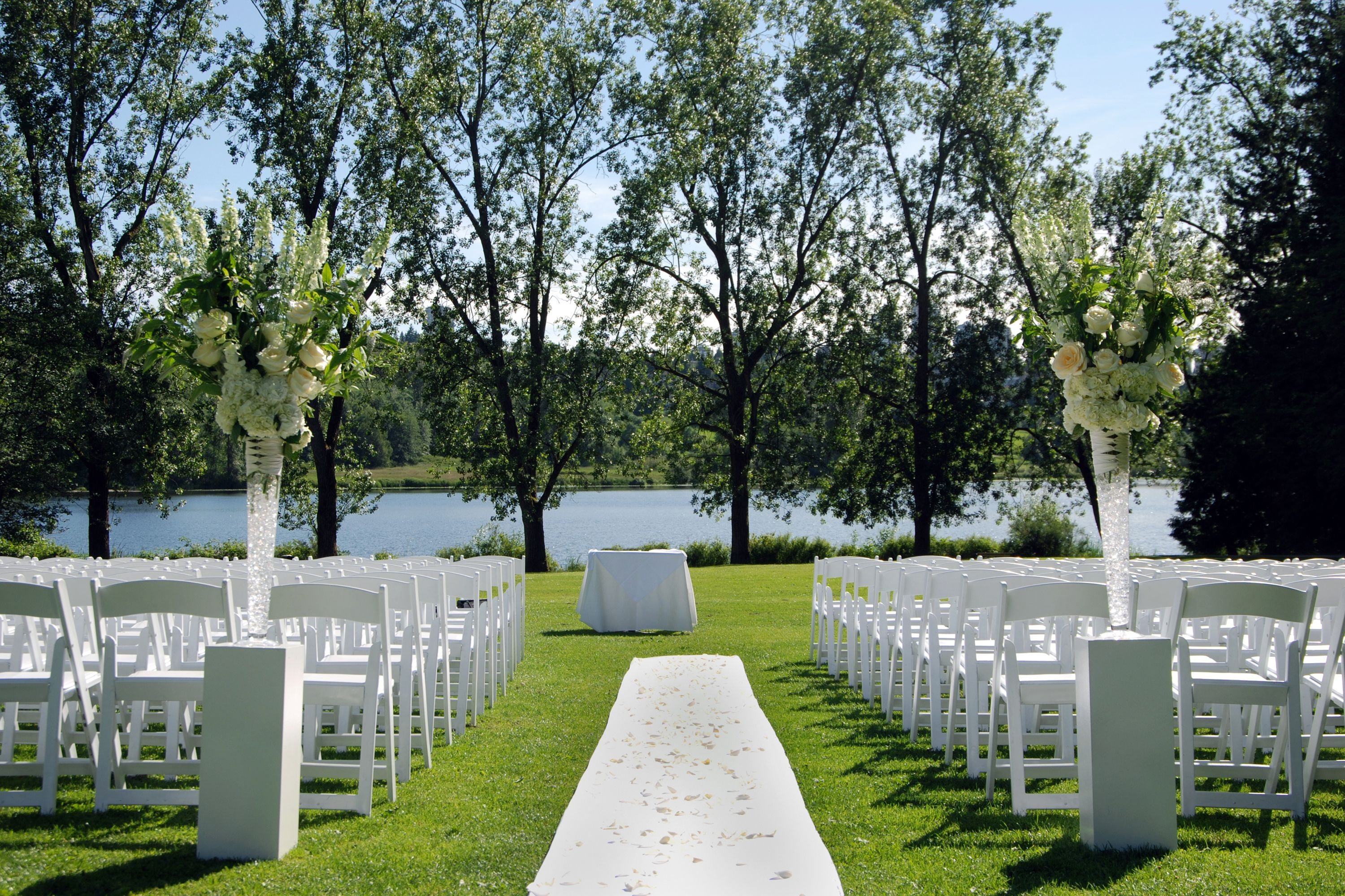 Outdoor Wedding Ideas Tips From The Experts: 10 Tips For The Perfect Outdoor Wedding