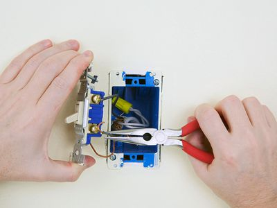 Pleasant How To Wire And Install Single Pole Switches Wiring Digital Resources Cettecompassionincorg
