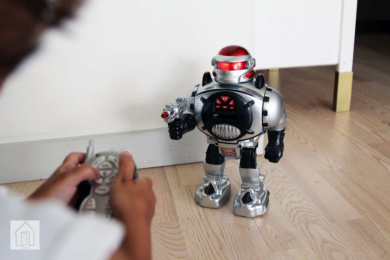Click N' Play Remote Control Robot