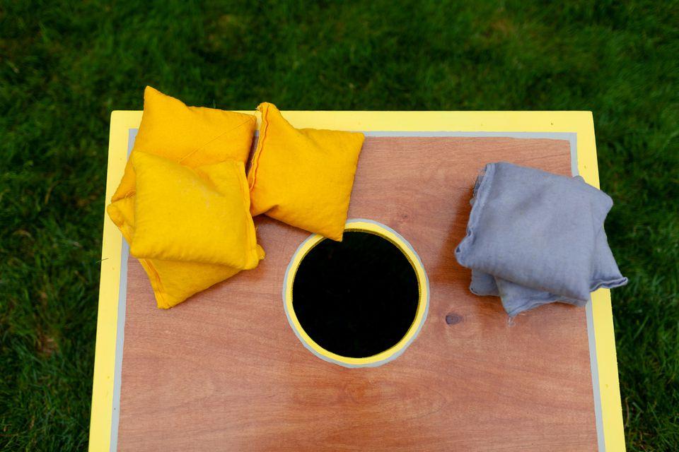 DIY cornhole lawn game