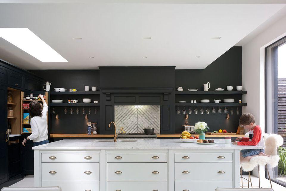 25 Black Kitchen Ideas