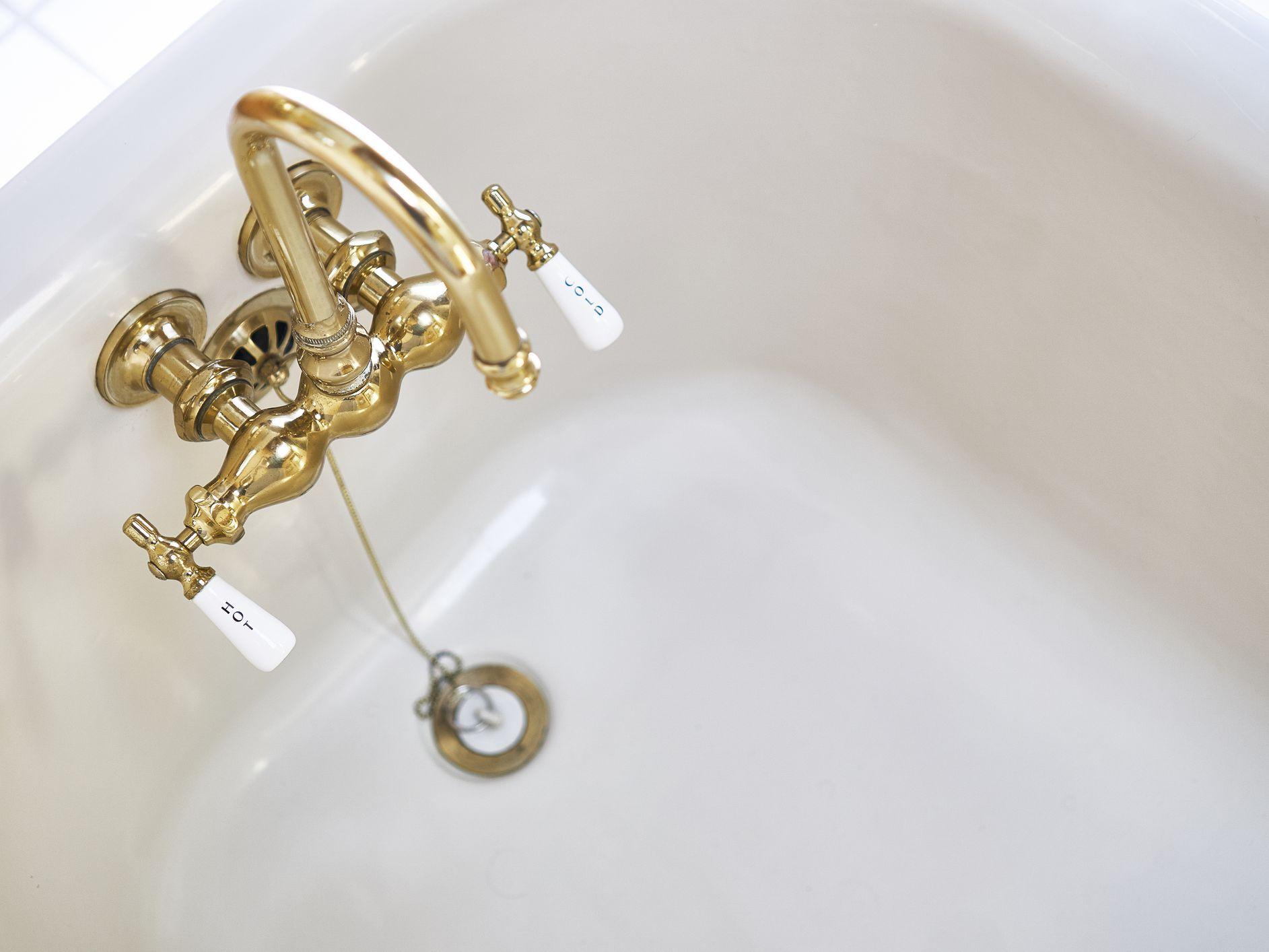 Unclog A Bathtub Drain Using A Snake