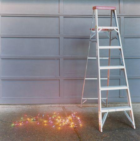 christmas lights - Best Way To Hang Christmas Lights