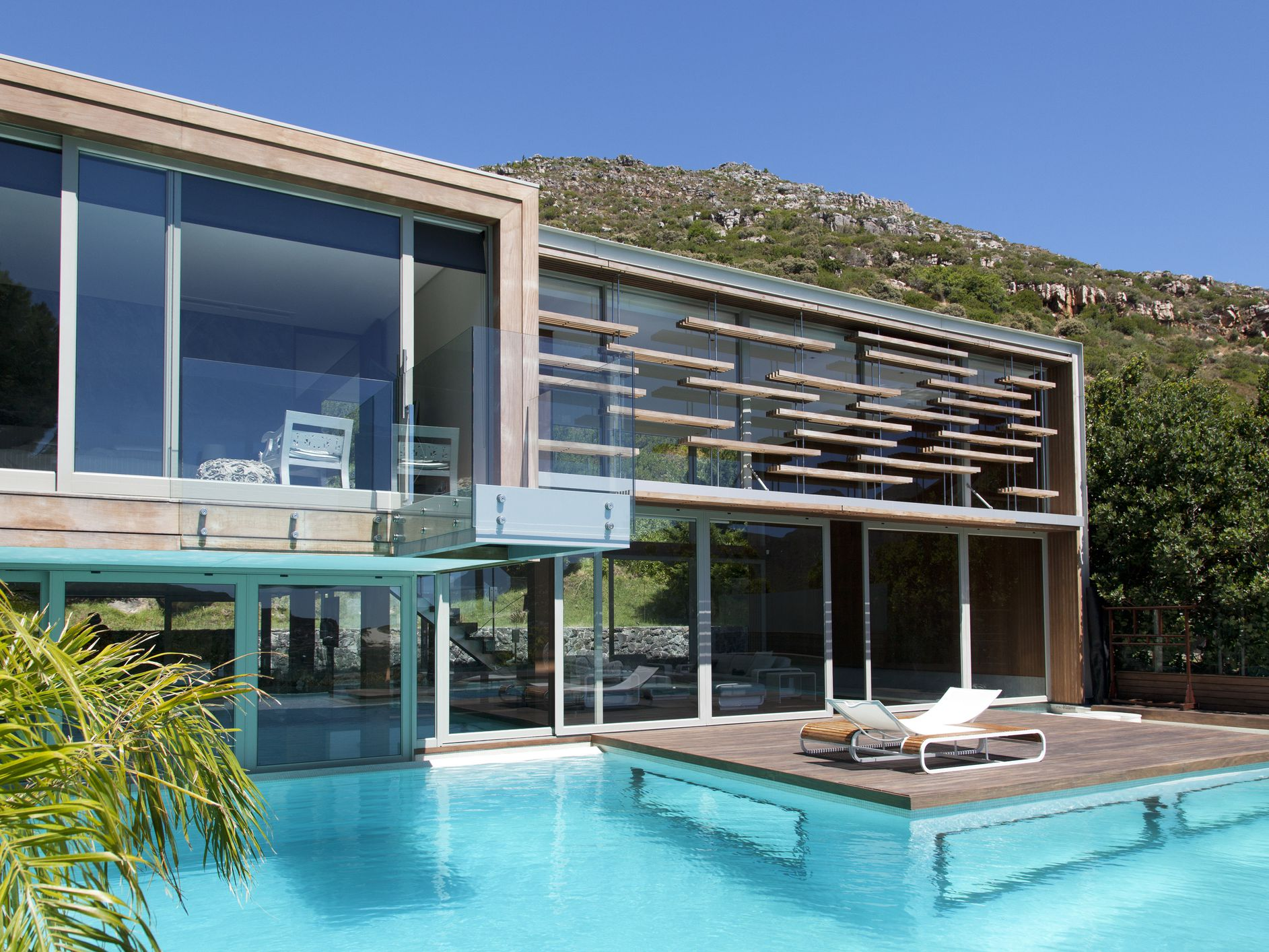 25 Beautiful Modern Swimming Pool Designs