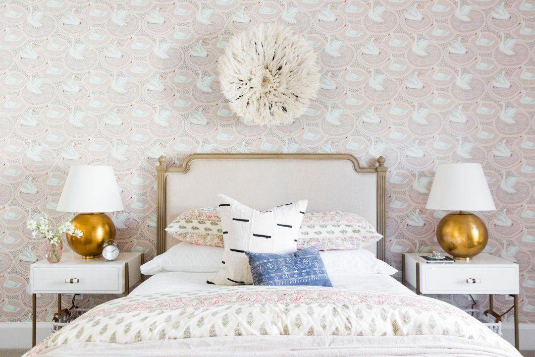 swan wallpaper in bedroom