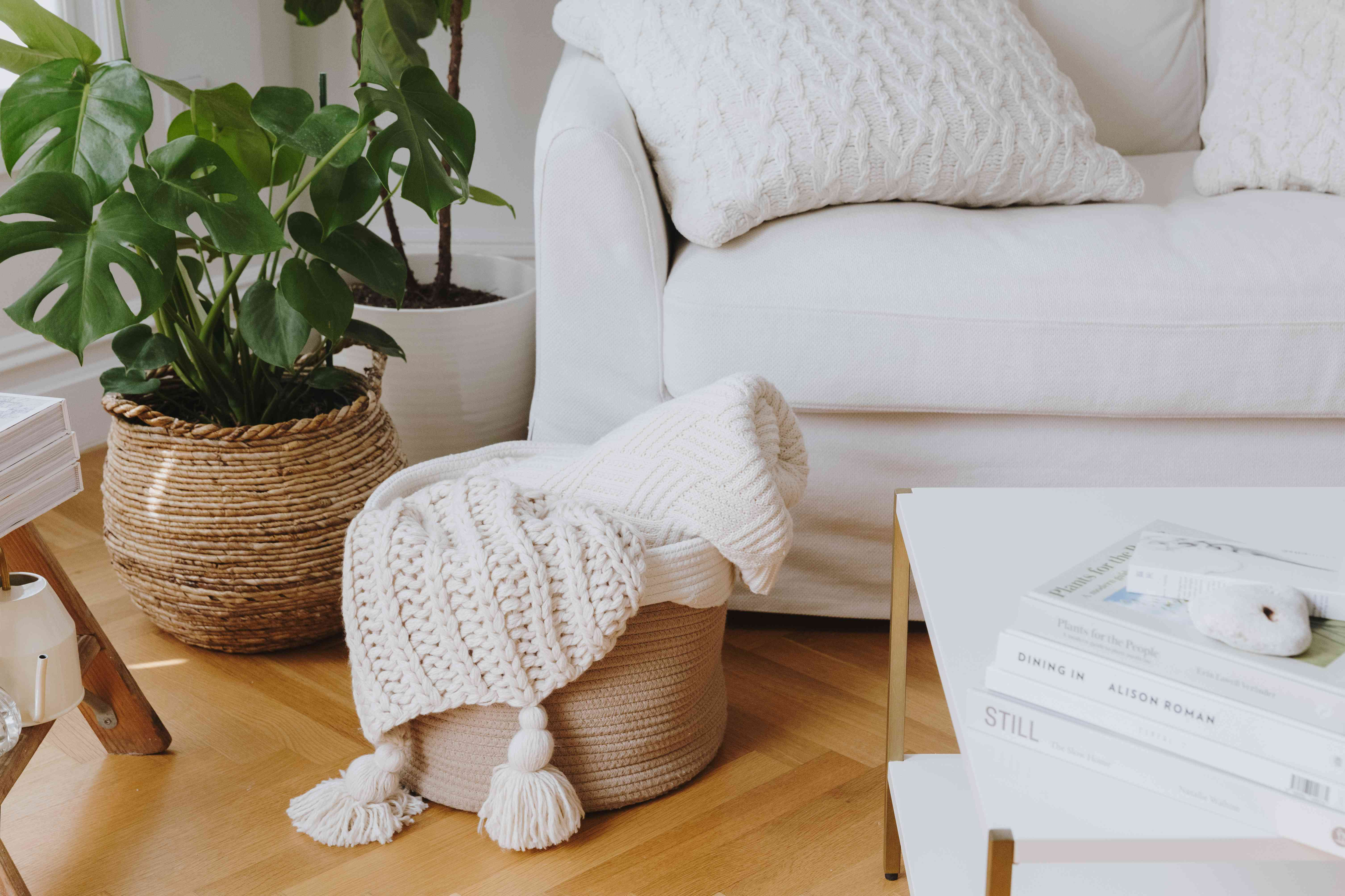 chunky knit blanket and pillow