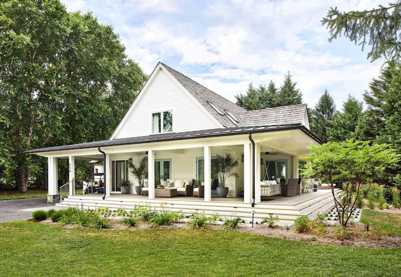 expansive farmhouse cottage
