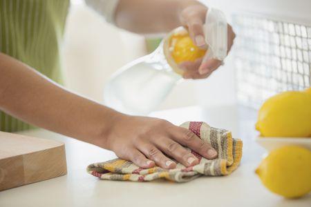 Vinegar all-purpose cleaning spray