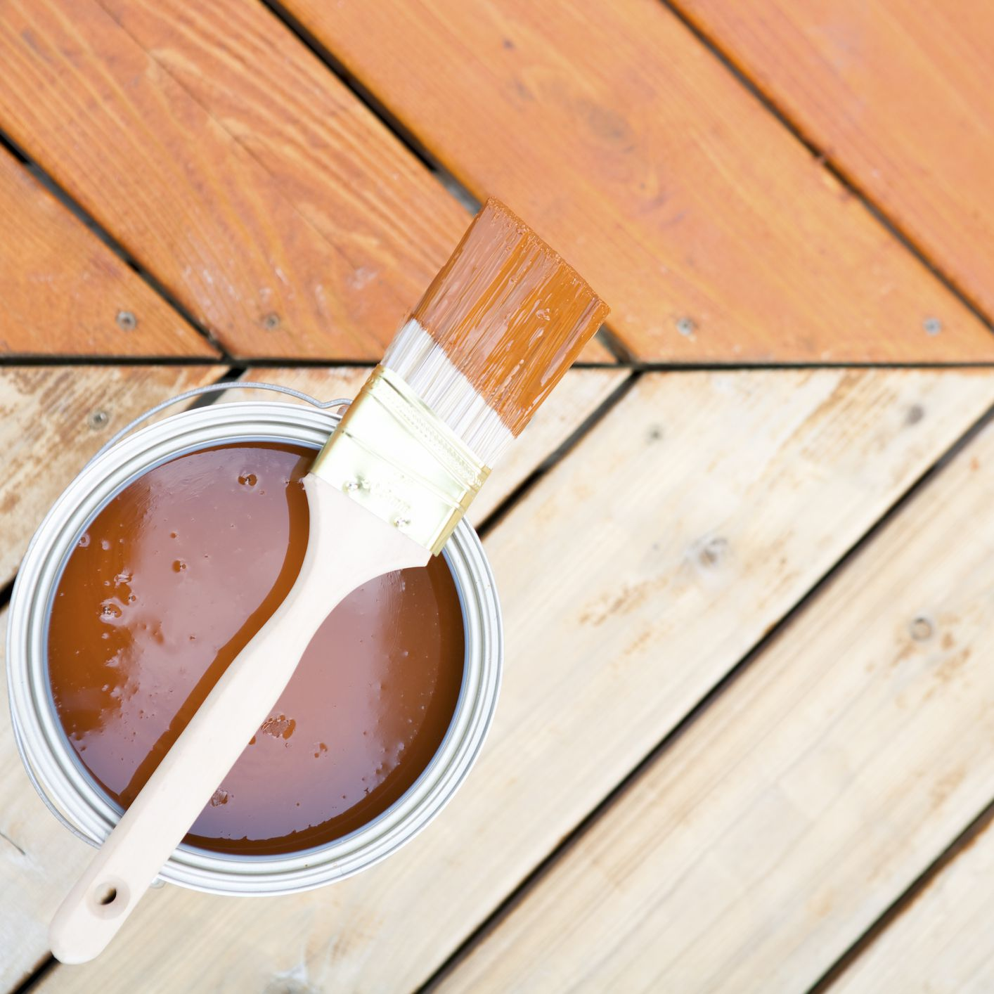 How To Stain A Wood Deck