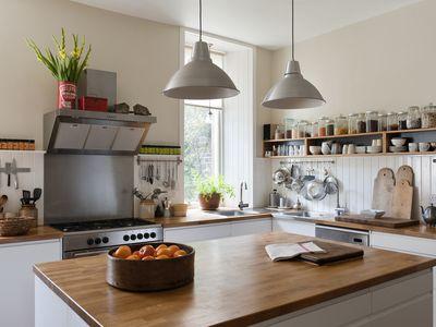 6 Types of Kitchen Islands