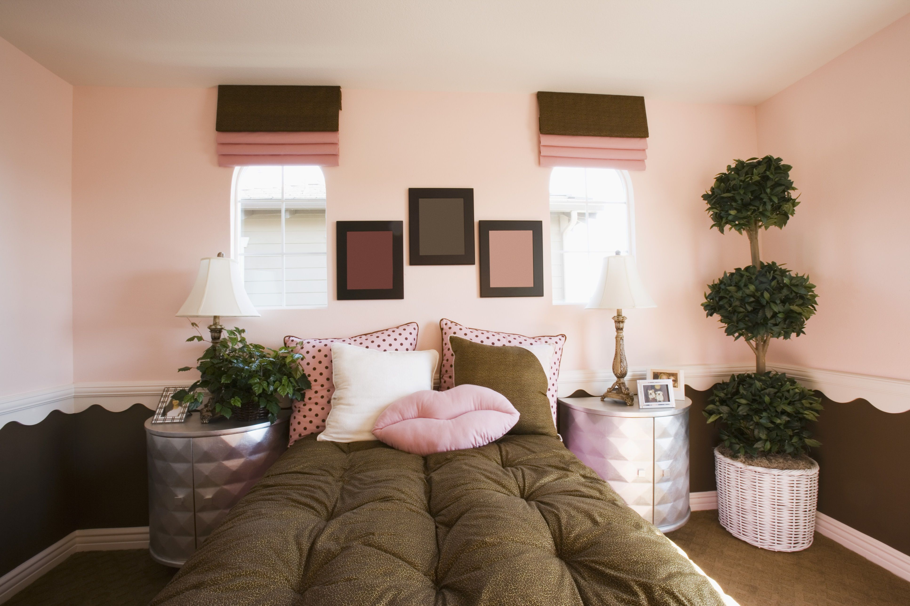 Bold Color Schemes for Bedrooms
