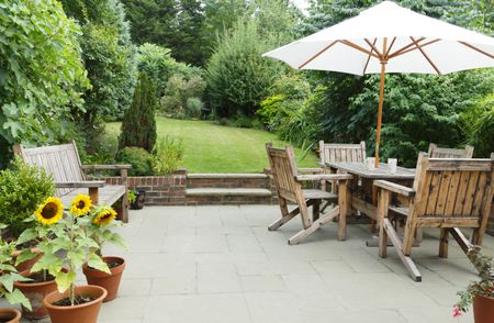 Choosing The Right Outdoor Wood Furniture