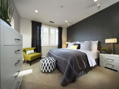 Want To Decorate Your Bedroom With Gray Here S How Do It Right Ideas