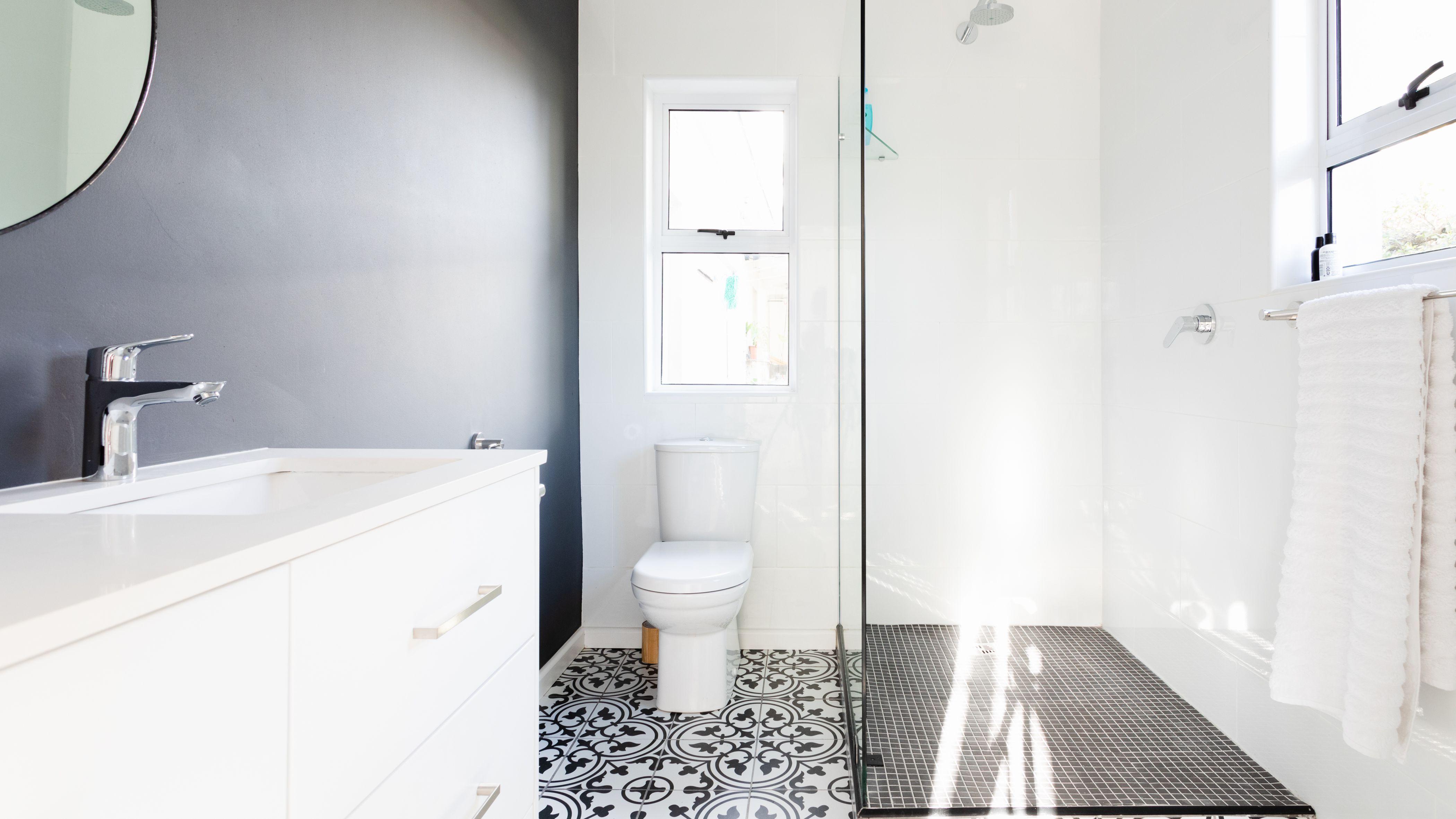 Best Flooring For Bathrooms, Should You Put Laminate Flooring In Bathrooms