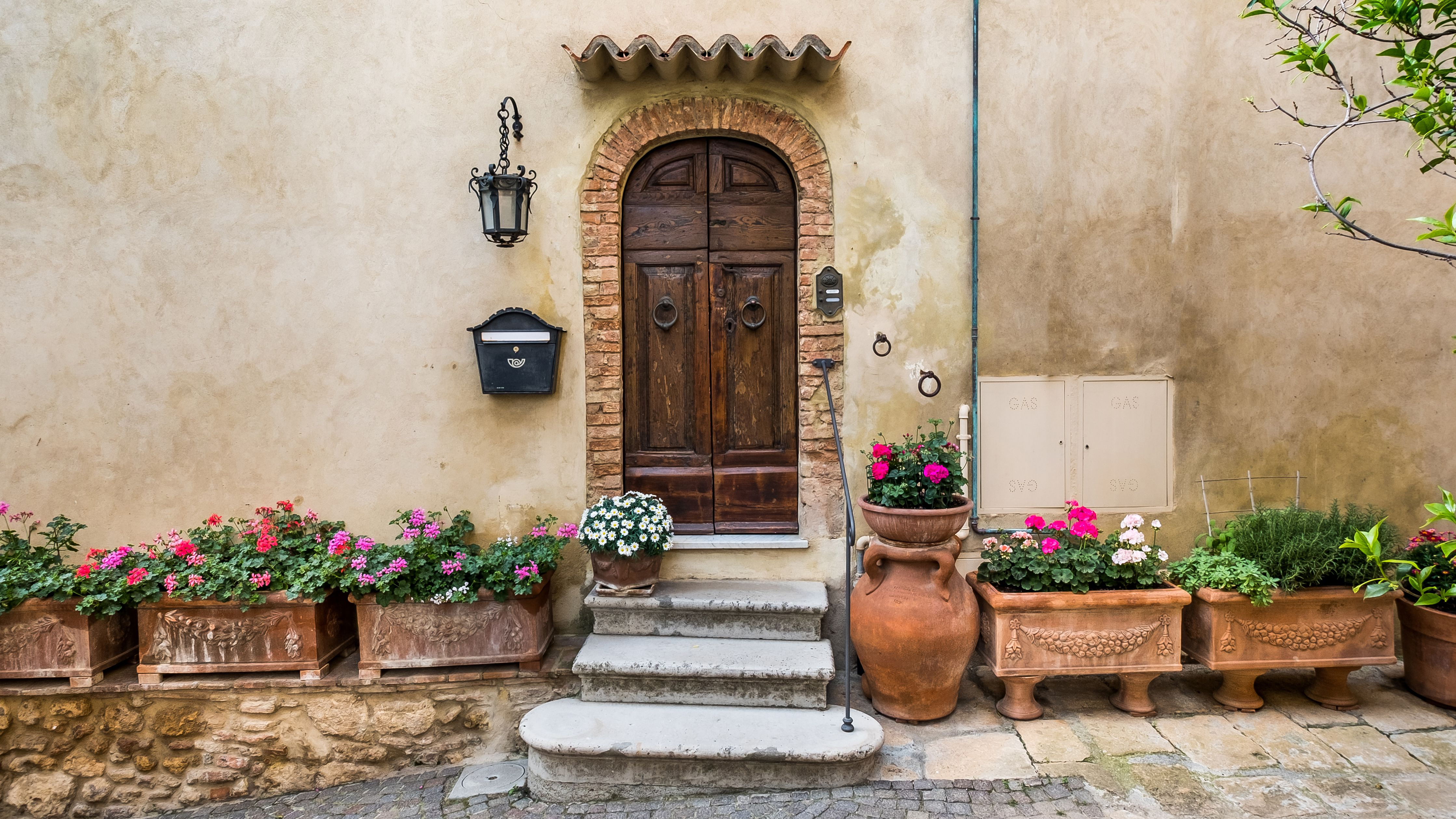Top 10 Tuscan Style Paint Colors