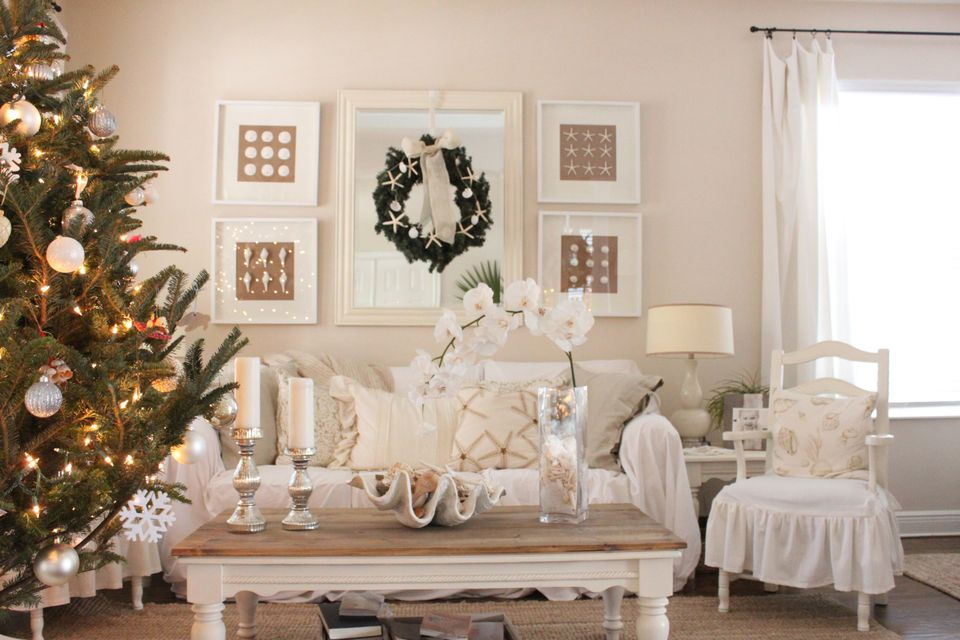 12 chic beach christmas decorating ideas - Beach cottage decorating ideas ...