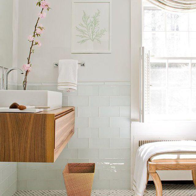 Small But Dreamy Modern Bathroom