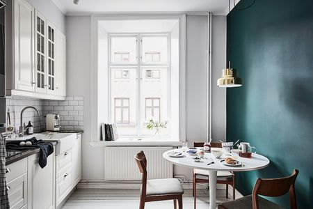 Create A Bold Kitchen Accent Wall