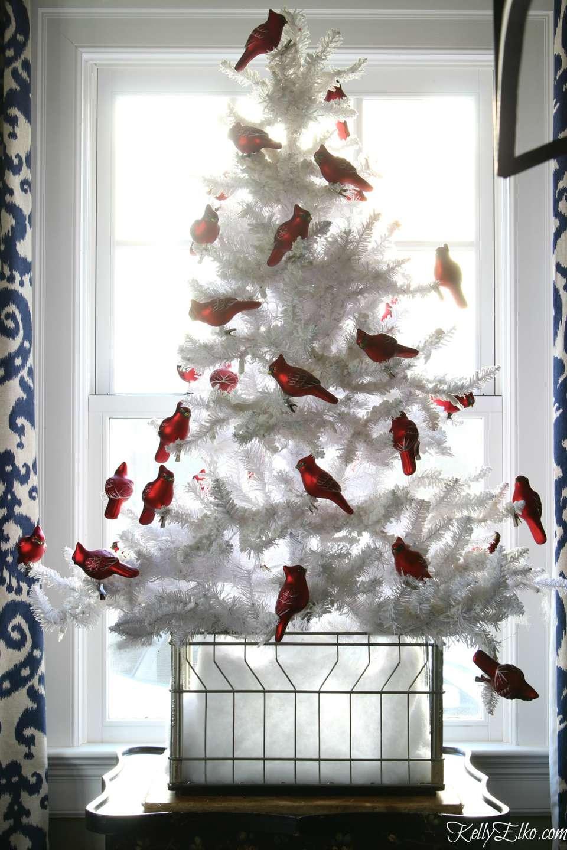 White Christmas Tree Decorating Ideas.20 Creative Christmas Tree Themes