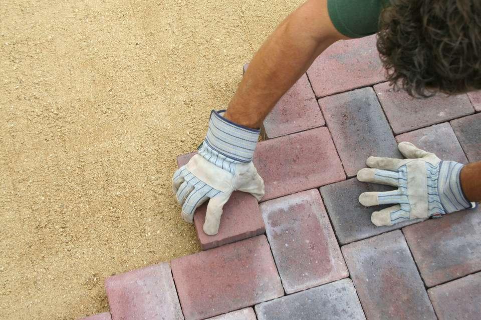 Laying patio bricks