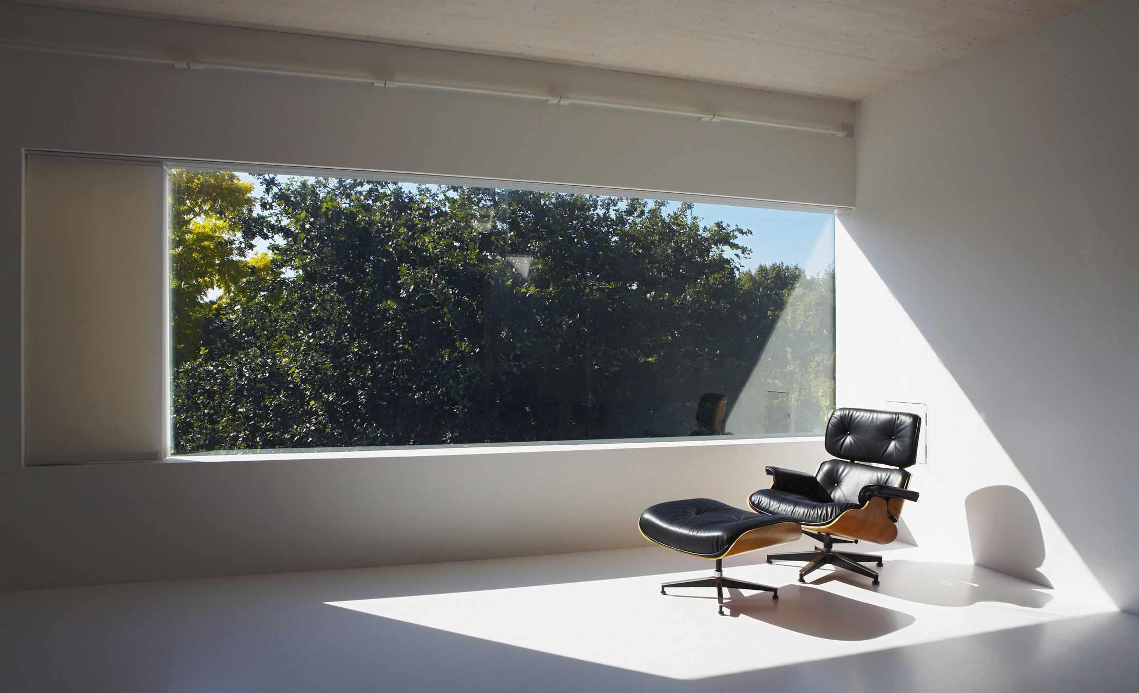 Eames silla a la luz
