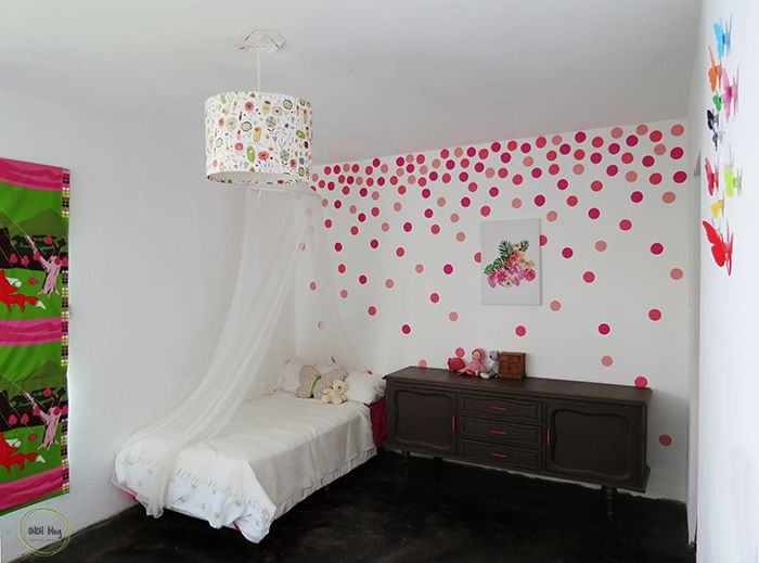 DIY sponge-paint polka-dot accent wall