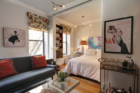 Phenomenal 25 Ways To Create A Bedroom In A Studio Apartment Home Interior And Landscaping Ponolsignezvosmurscom