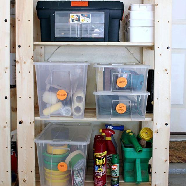 herramientas de organización en un garaje