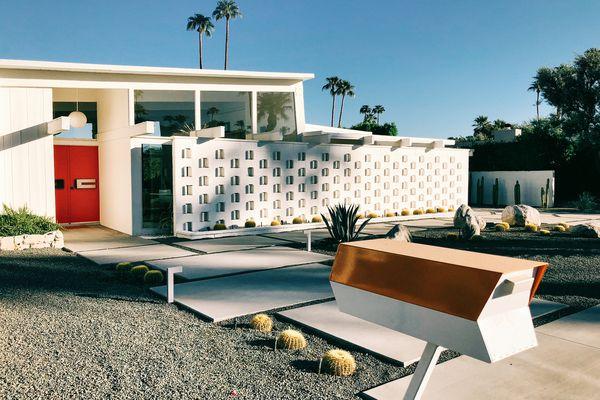 mid century modern exterior house
