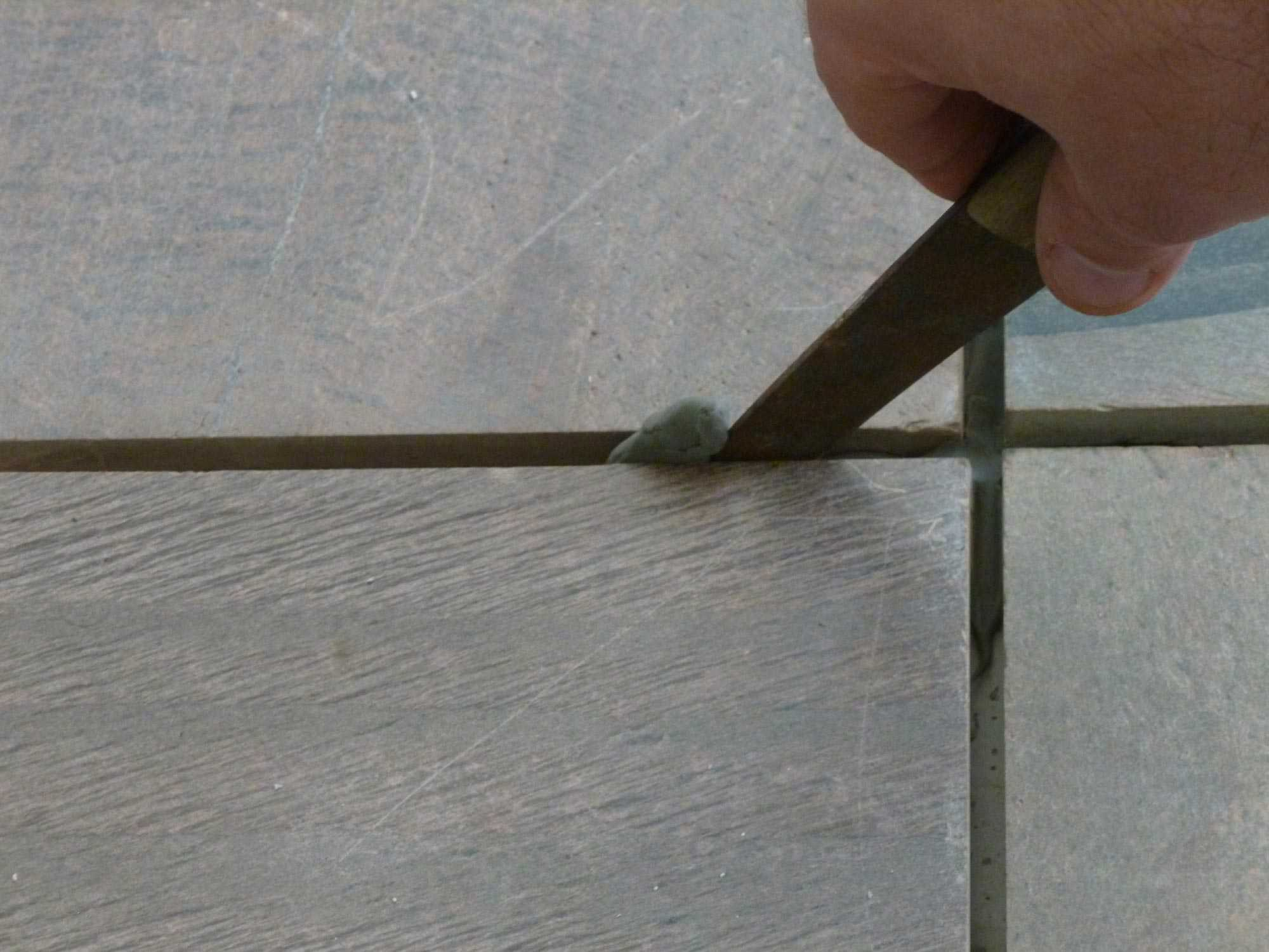 Remove Excess Tile Mortar