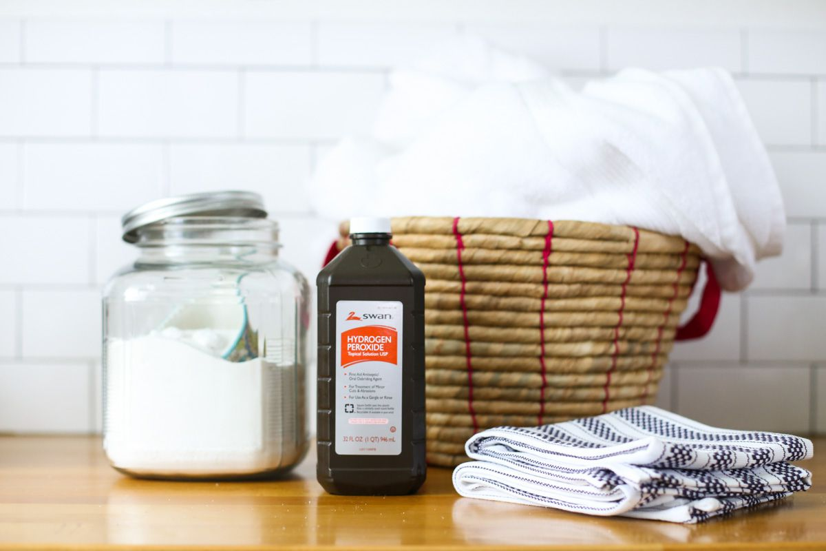 7 Natural Laundry Stain Removers