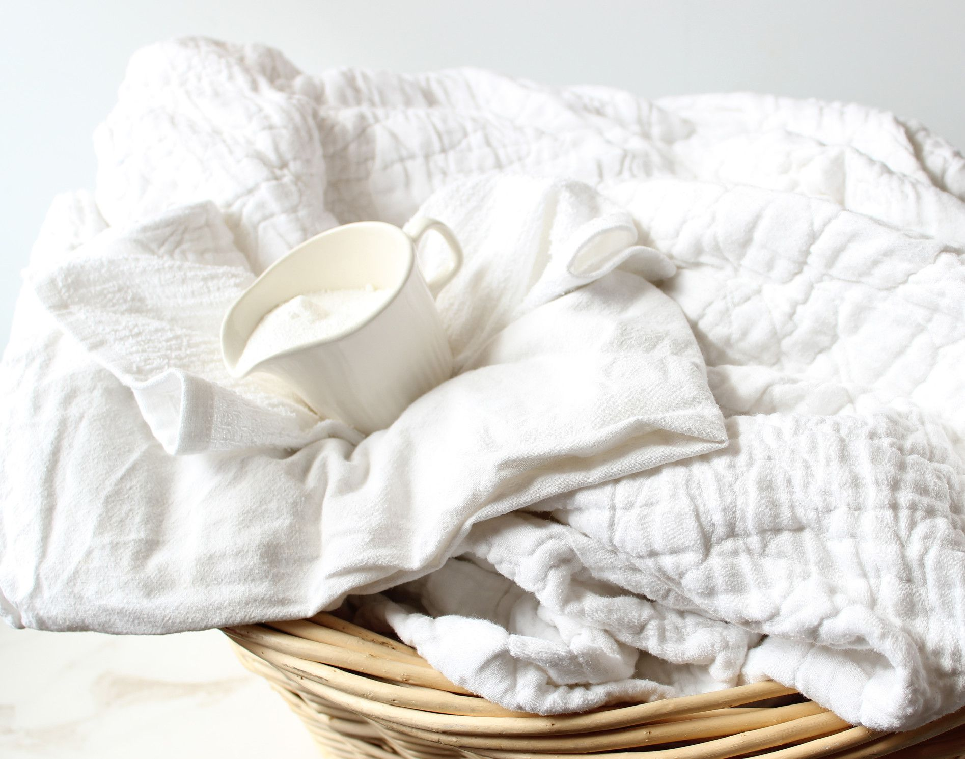 How To Whiten Yellowed Clothes And Linens