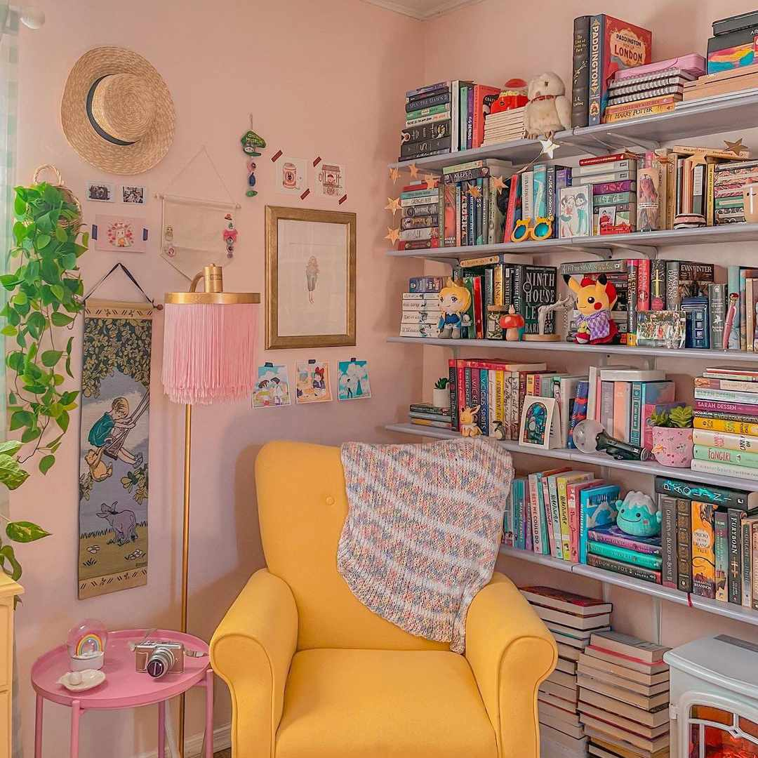 Corner of room with pastel colors