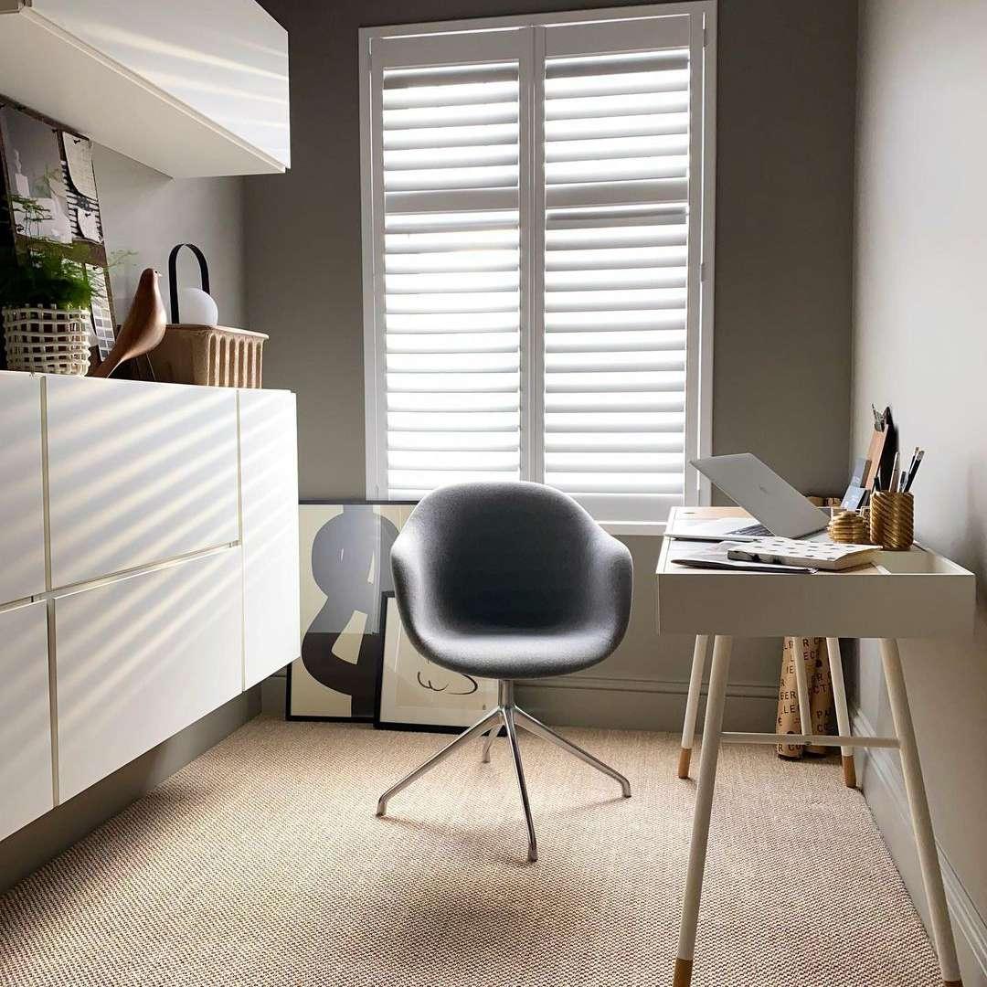 Office with natural fiber carpet
