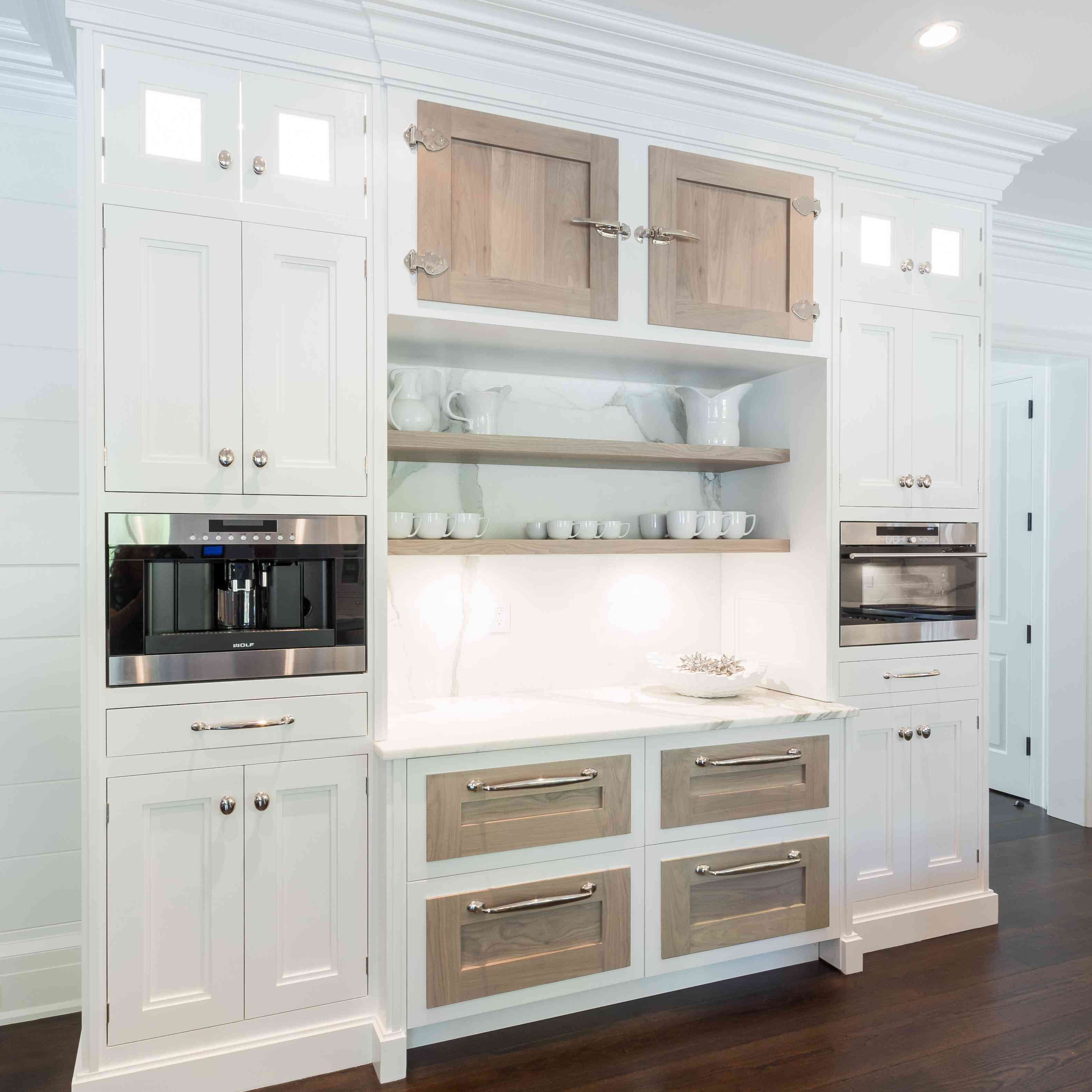 Secondary prep space in kitchen by Bakes & Kropp