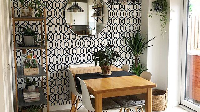 11 Amazing Dining Rooms With Wallpaper, Dining Room Wallpaper Ideas