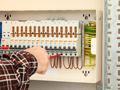 fuses and fuse boxes 101: types, sizes, blown fuses, and replacements